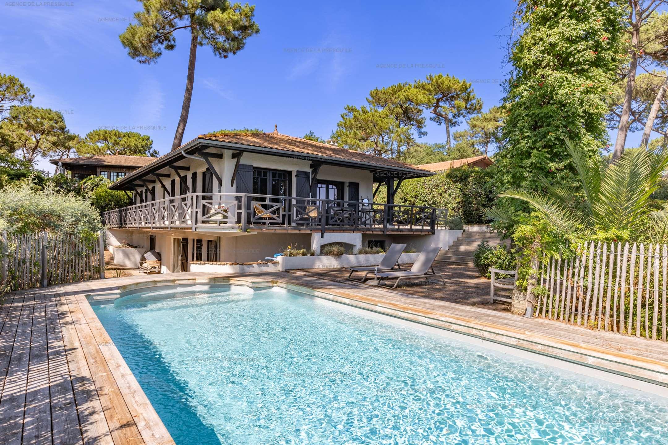 Location: Charmante villa avec piscine, vue bassin, à deux pas des plages 2