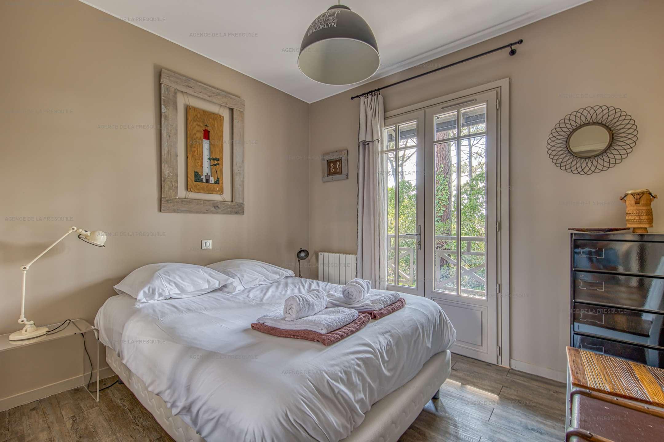 Location: Charmante villa avec piscine, vue bassin, à deux pas des plages 10