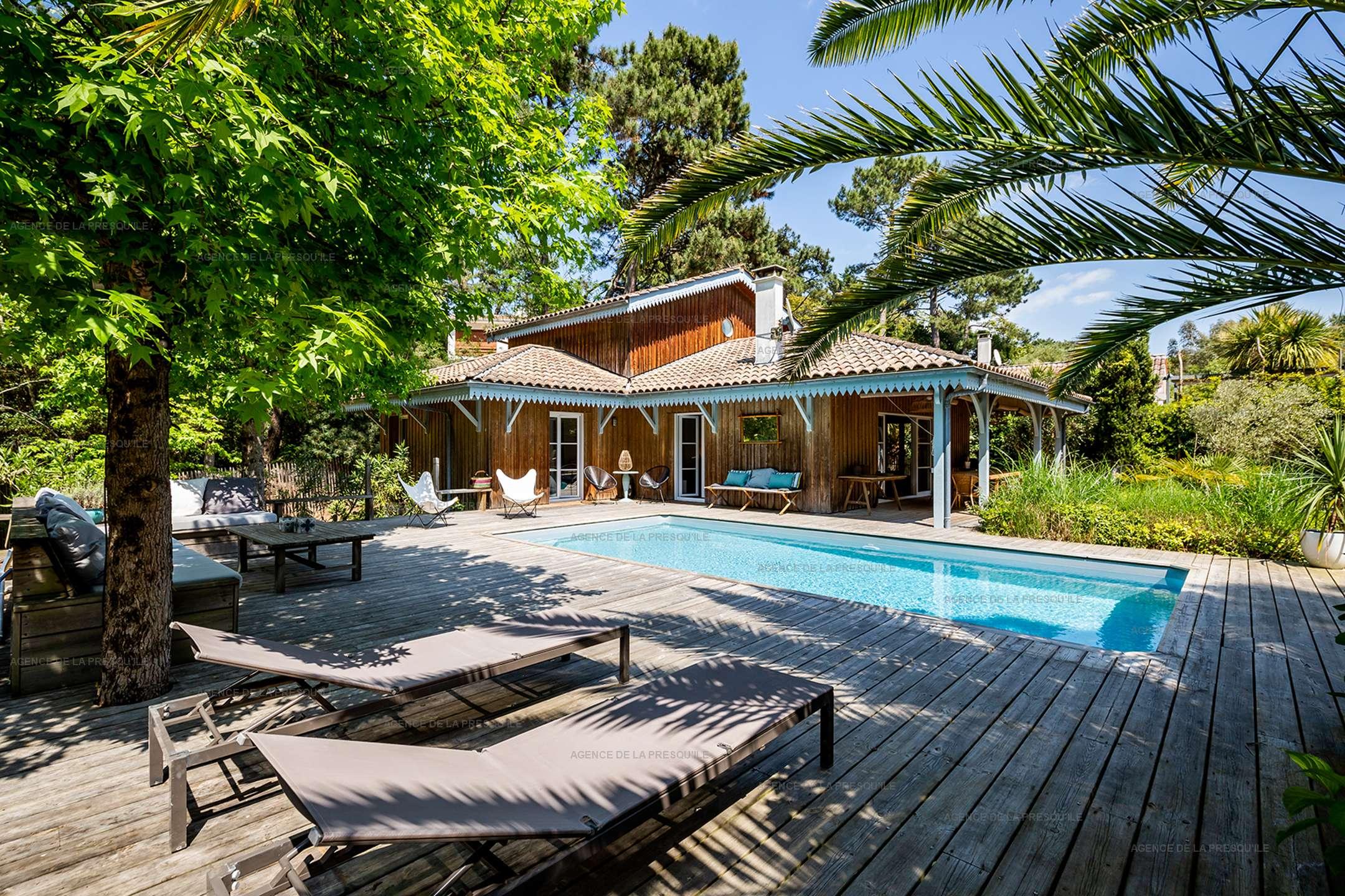 Location: Très jolie villa en bordure de forêt avec piscine 2
