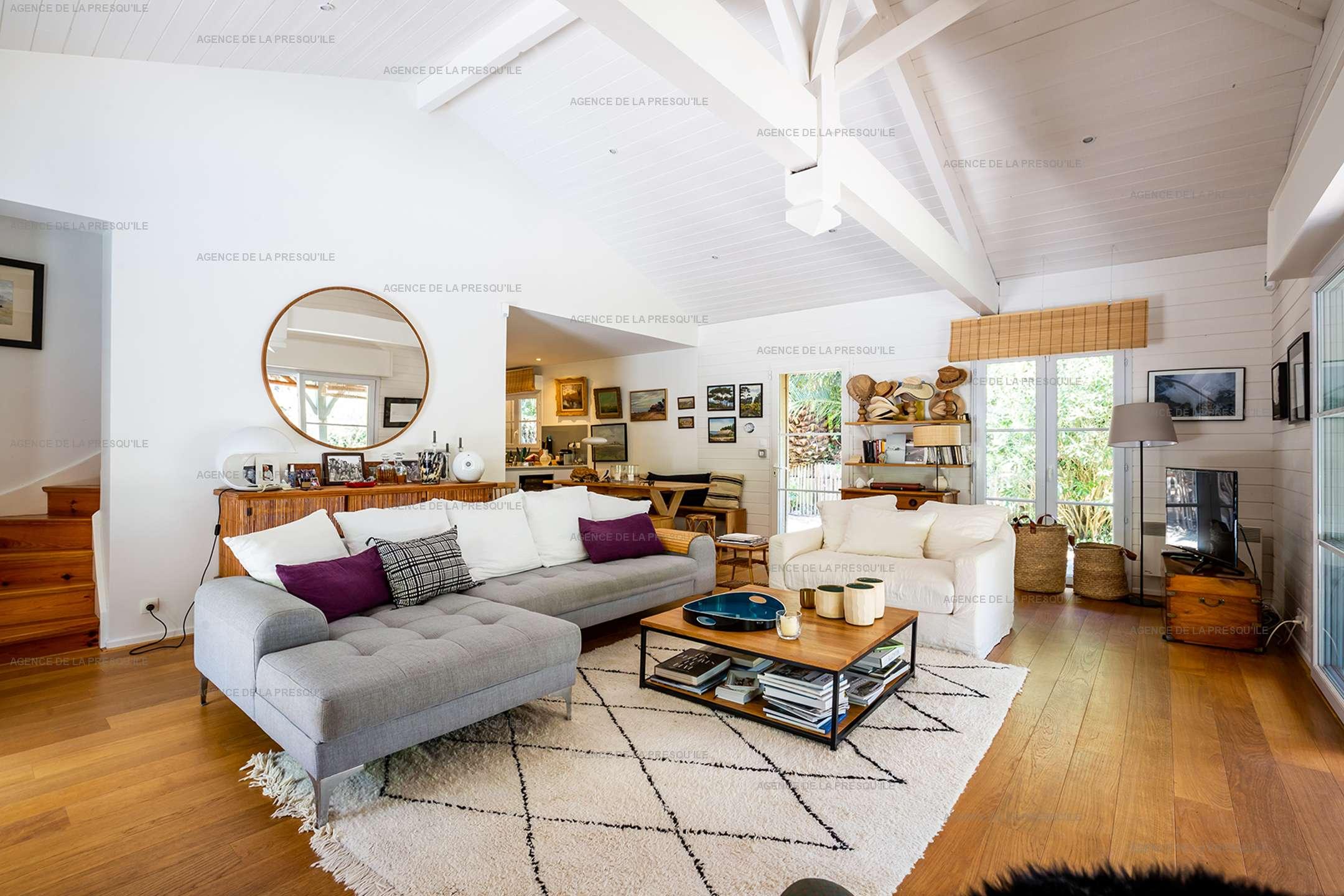 Location: Très jolie villa en bordure de forêt avec piscine 3
