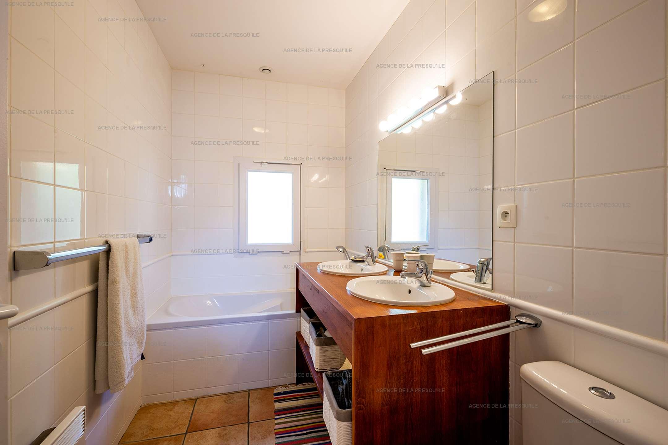 Location: Très jolie villa en bordure de forêt avec piscine 8