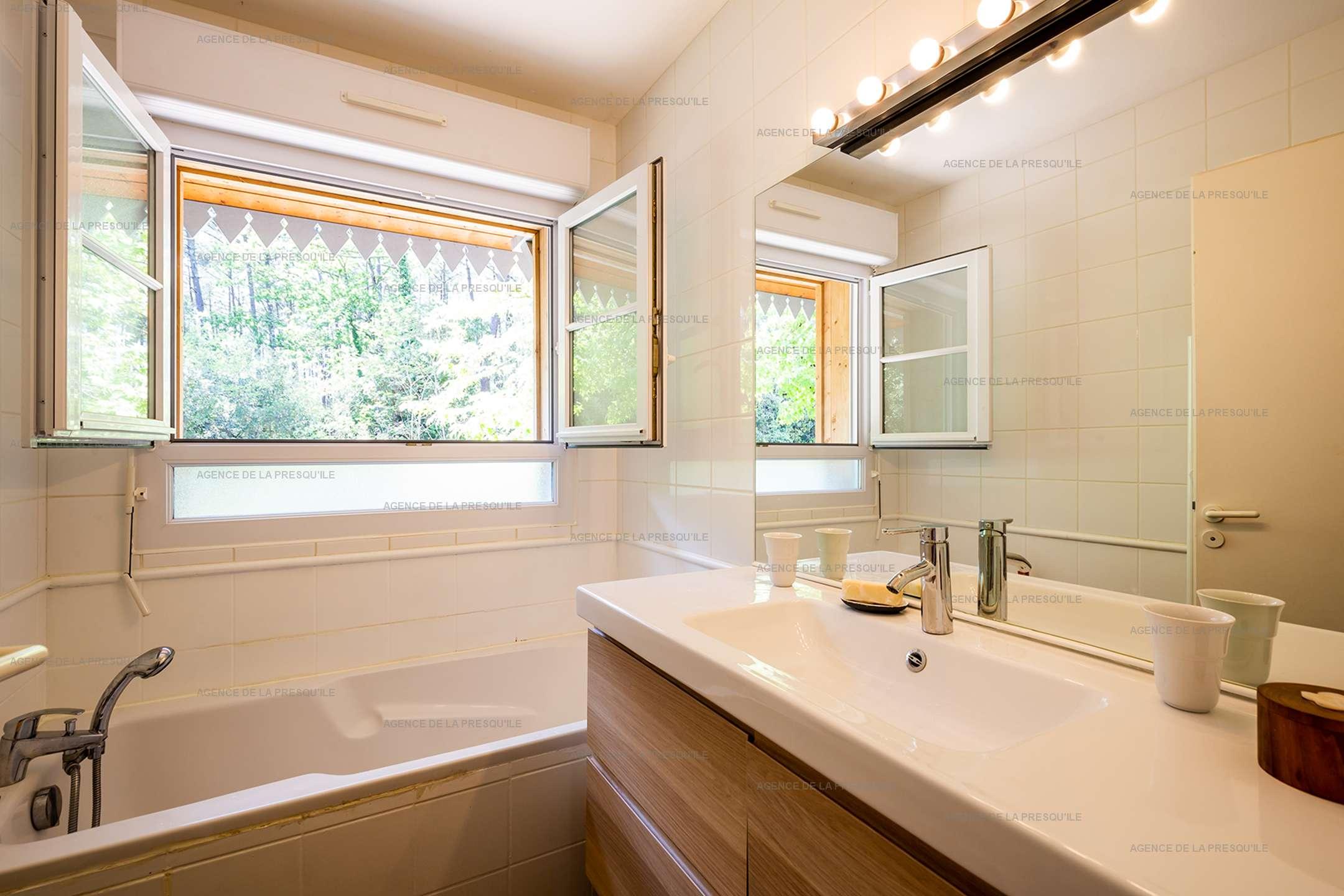 Location: Très jolie villa en bordure de forêt avec piscine 11