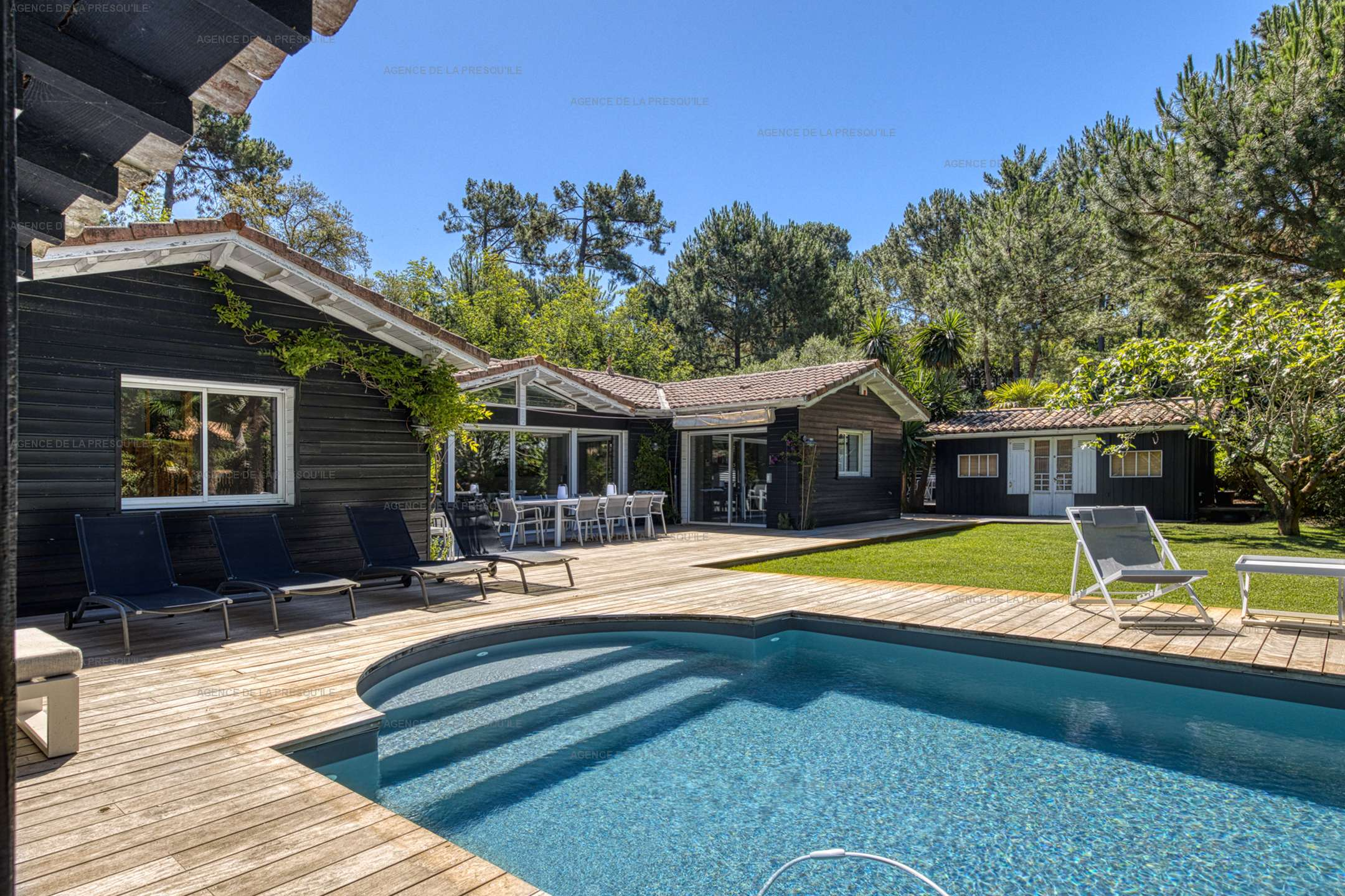 Location: Au calme, très belle villa en bois avec piscine chauffée 2