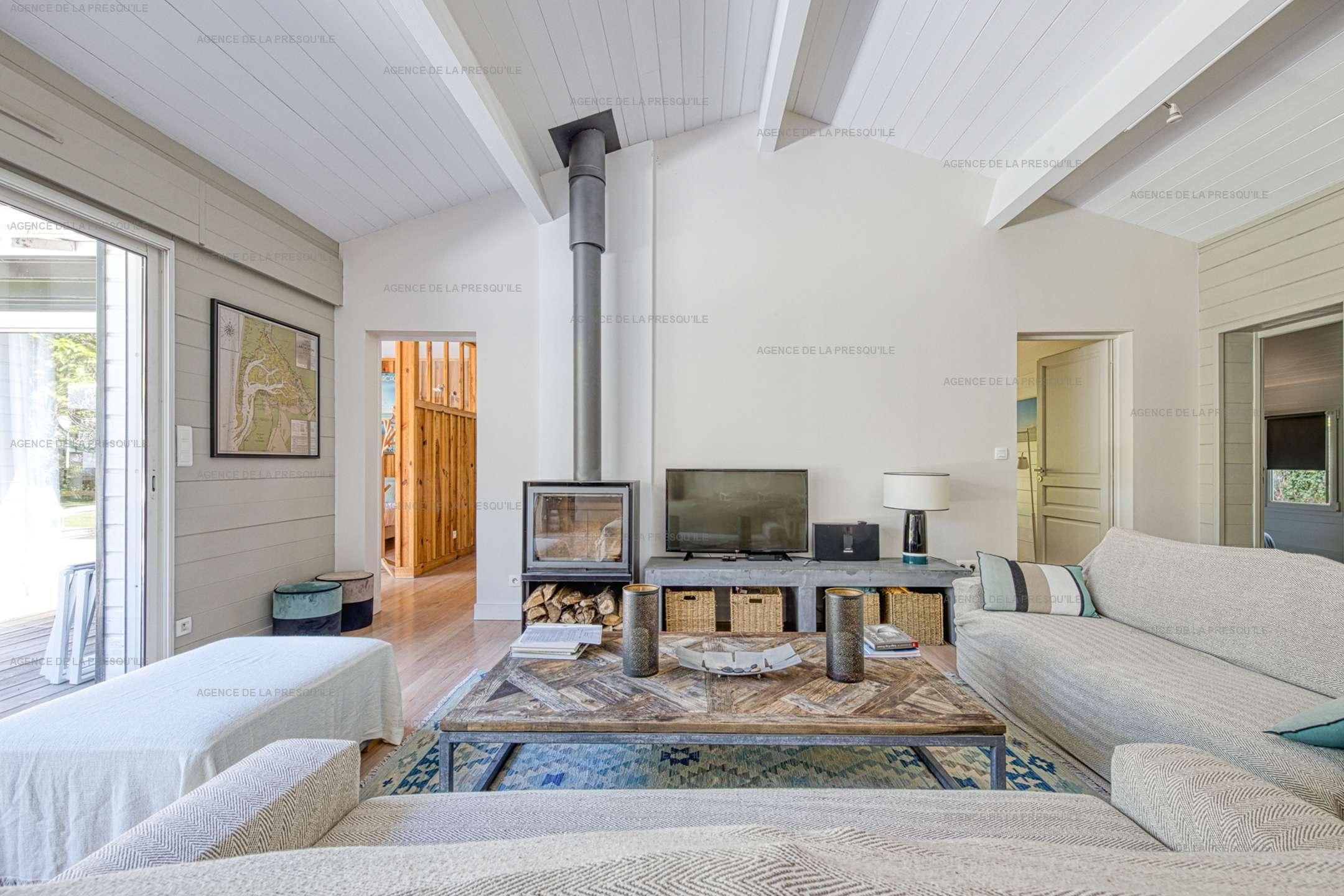 Location: Au calme, très belle villa en bois avec piscine chauffée 5
