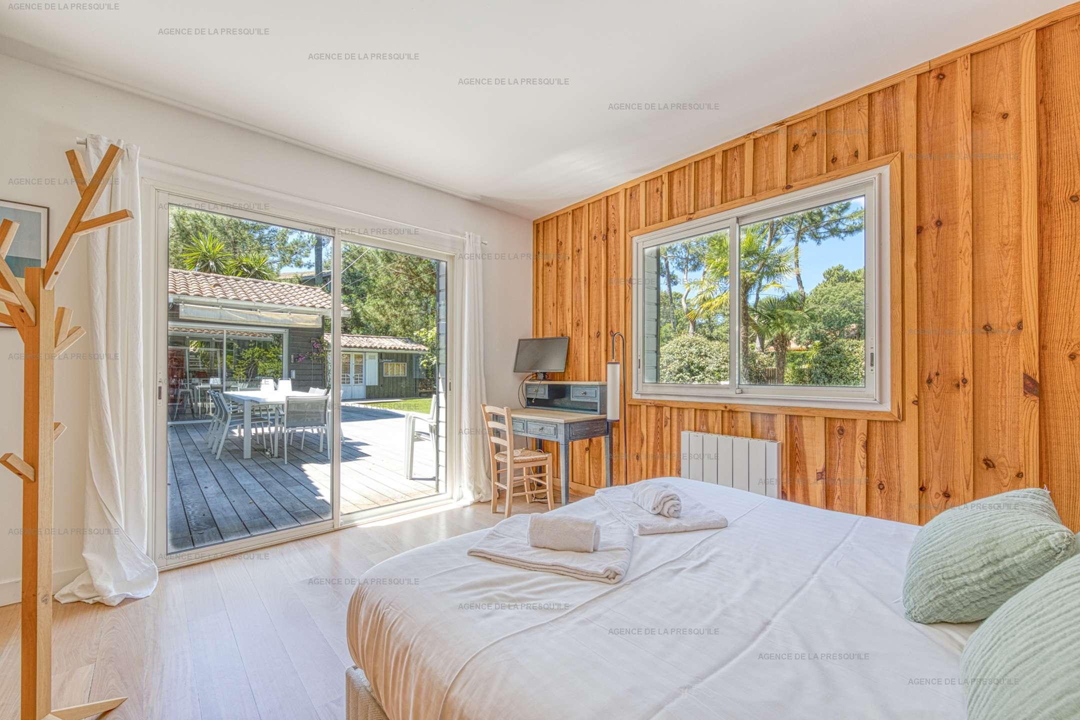 Location: Au calme, très belle villa en bois avec piscine chauffée 8