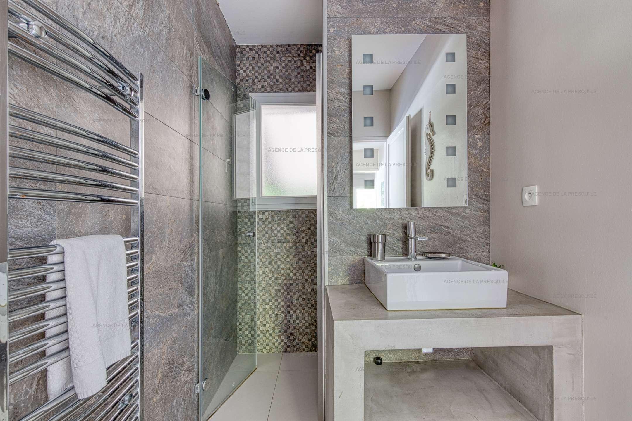 Location: Très belle villa en bois au calme avec piscine chauffée 11
