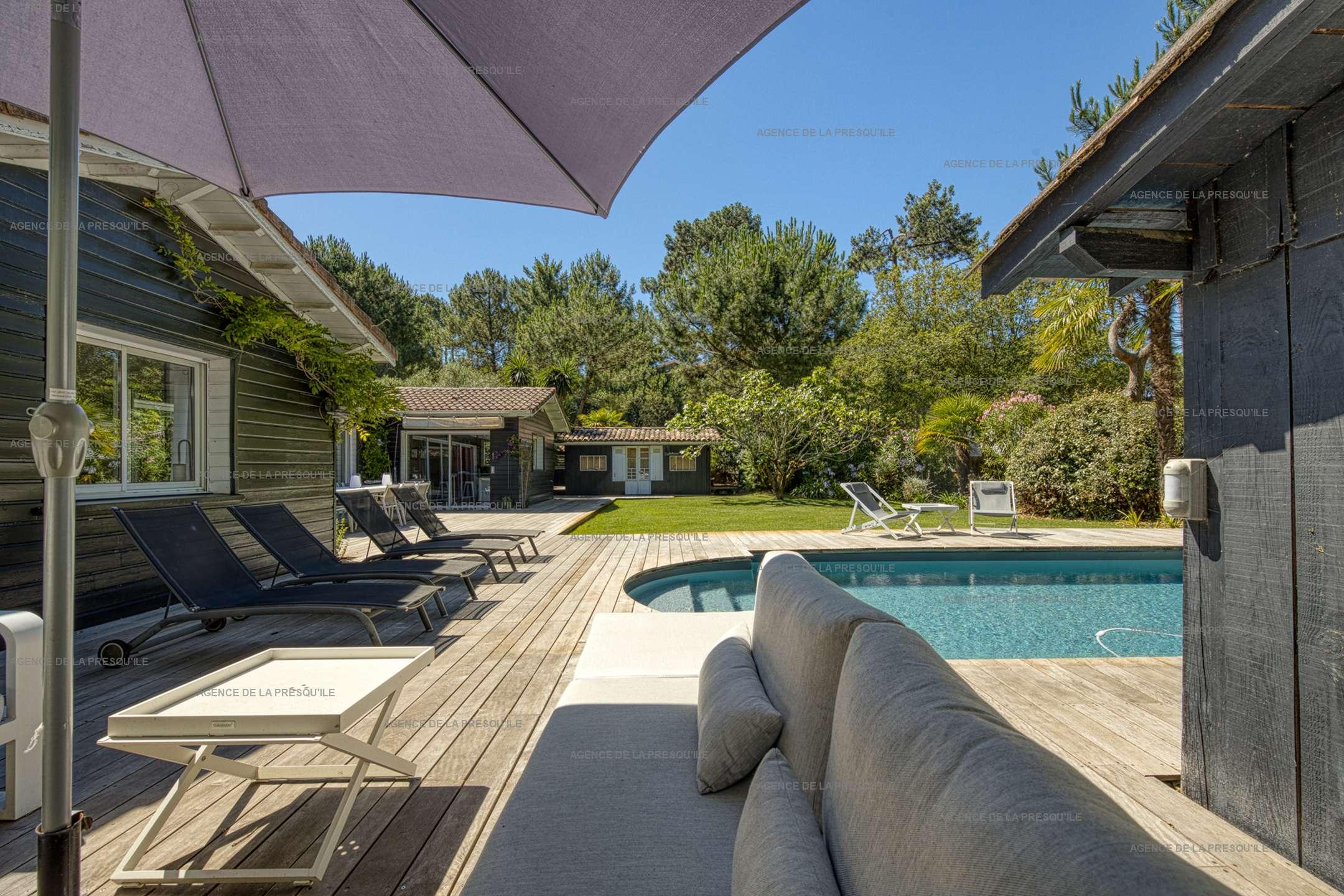 Location: Au calme, très belle villa en bois avec piscine chauffée 12