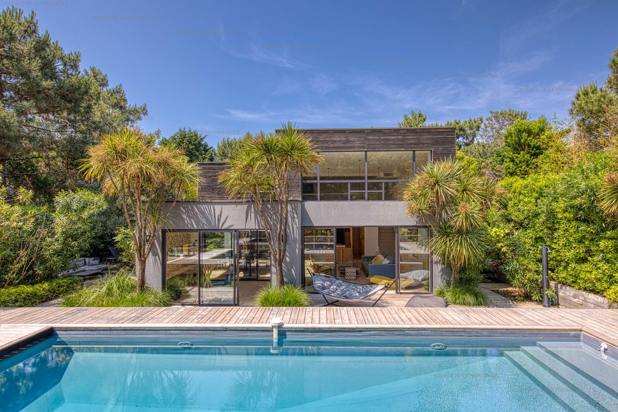 Location: Très belle villa de standing avec piscine 2