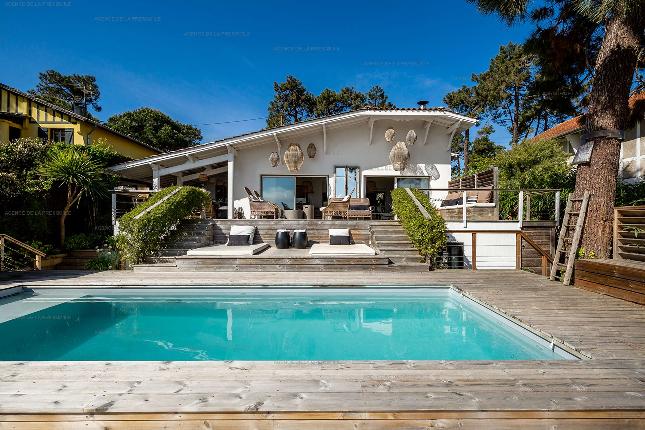 Location: Superbe villa avec vue bassin et piscine 2