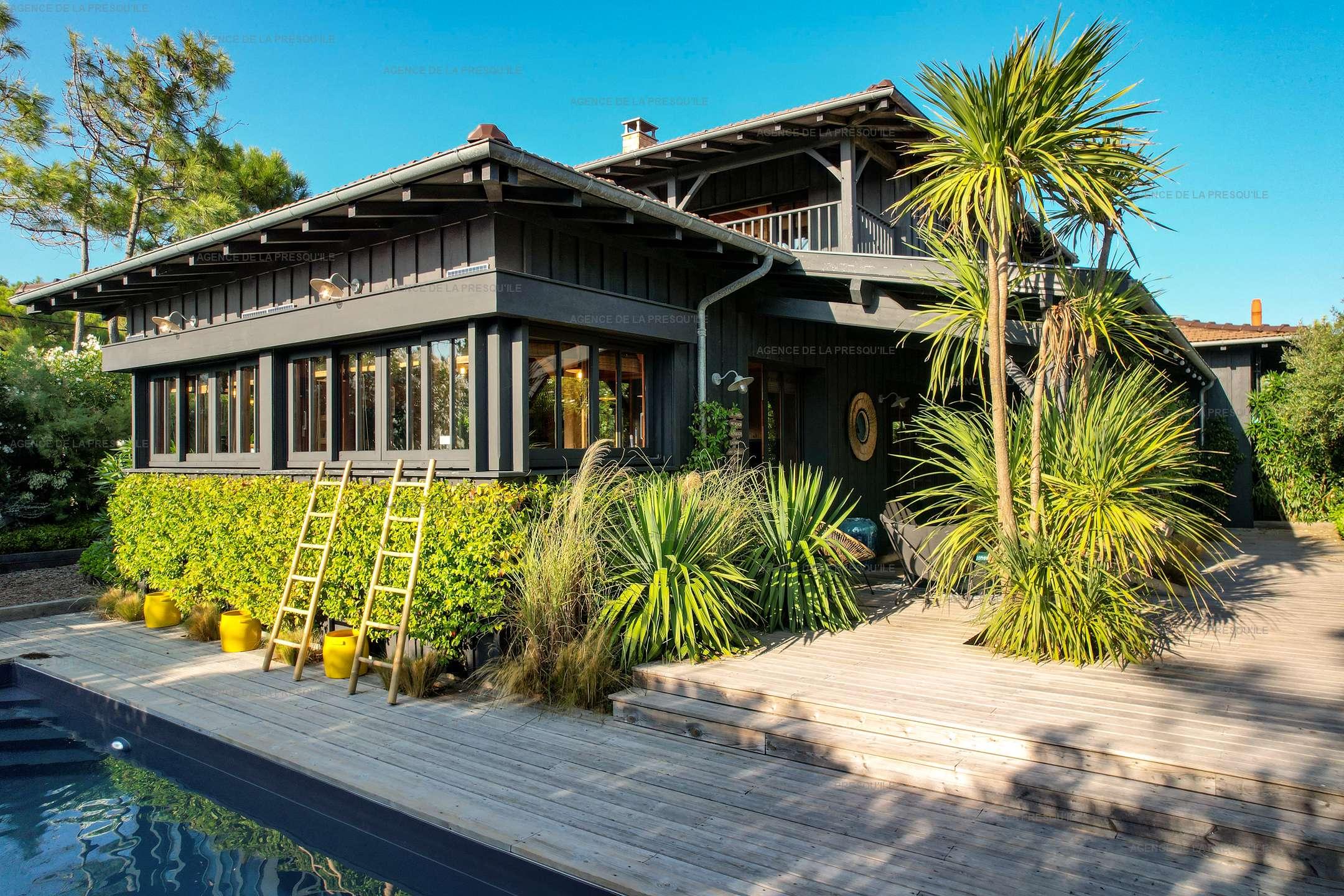 Location: Séduisante villa en bois neuve avec piscine 2