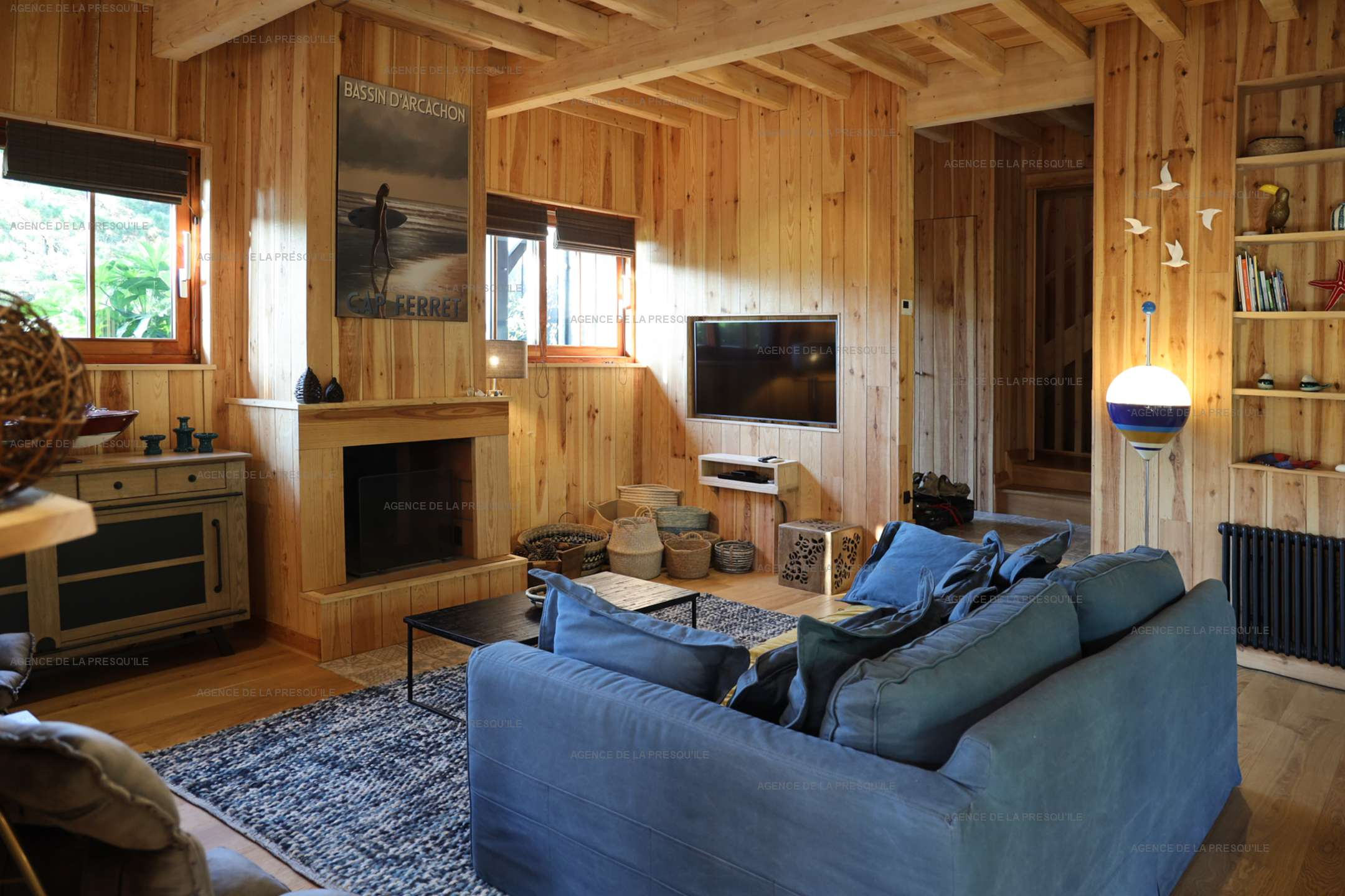 Location: Séduisante villa en bois neuve avec piscine 4