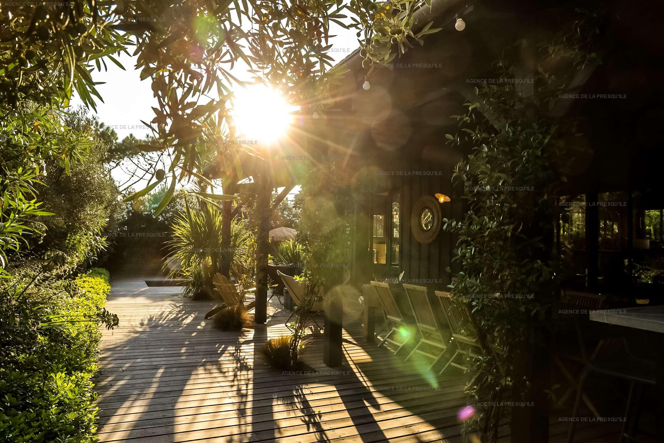 Location: Séduisante villa en bois neuve avec piscine 12