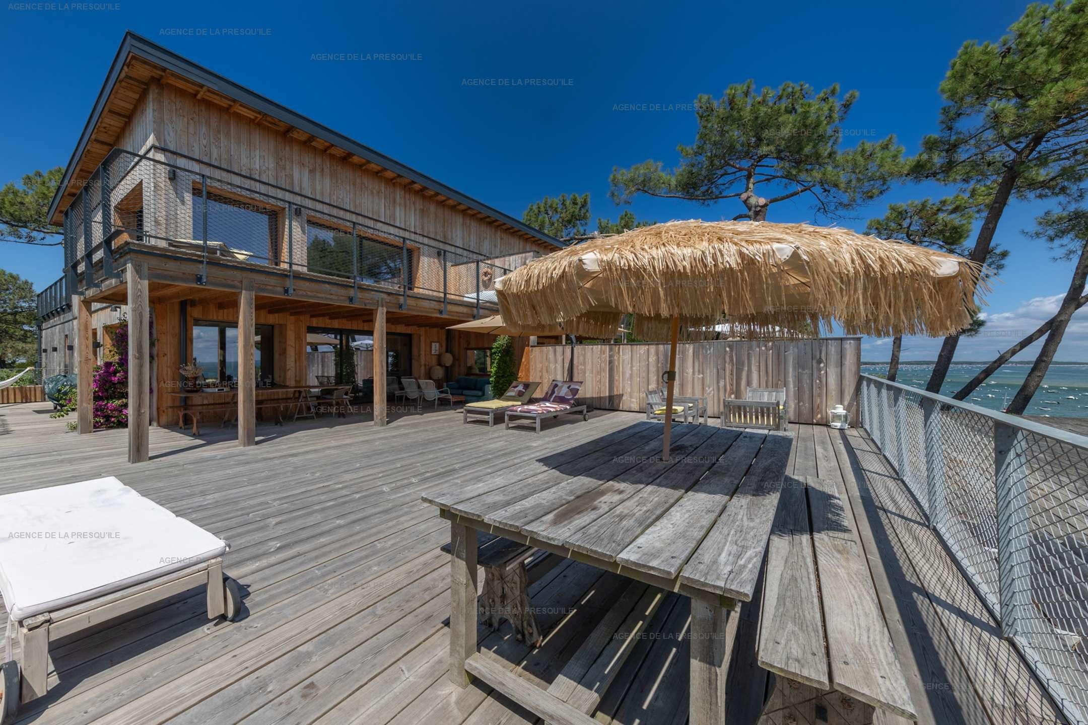 Location: Belle villa  neuve avec vue bassin et acces plage 2