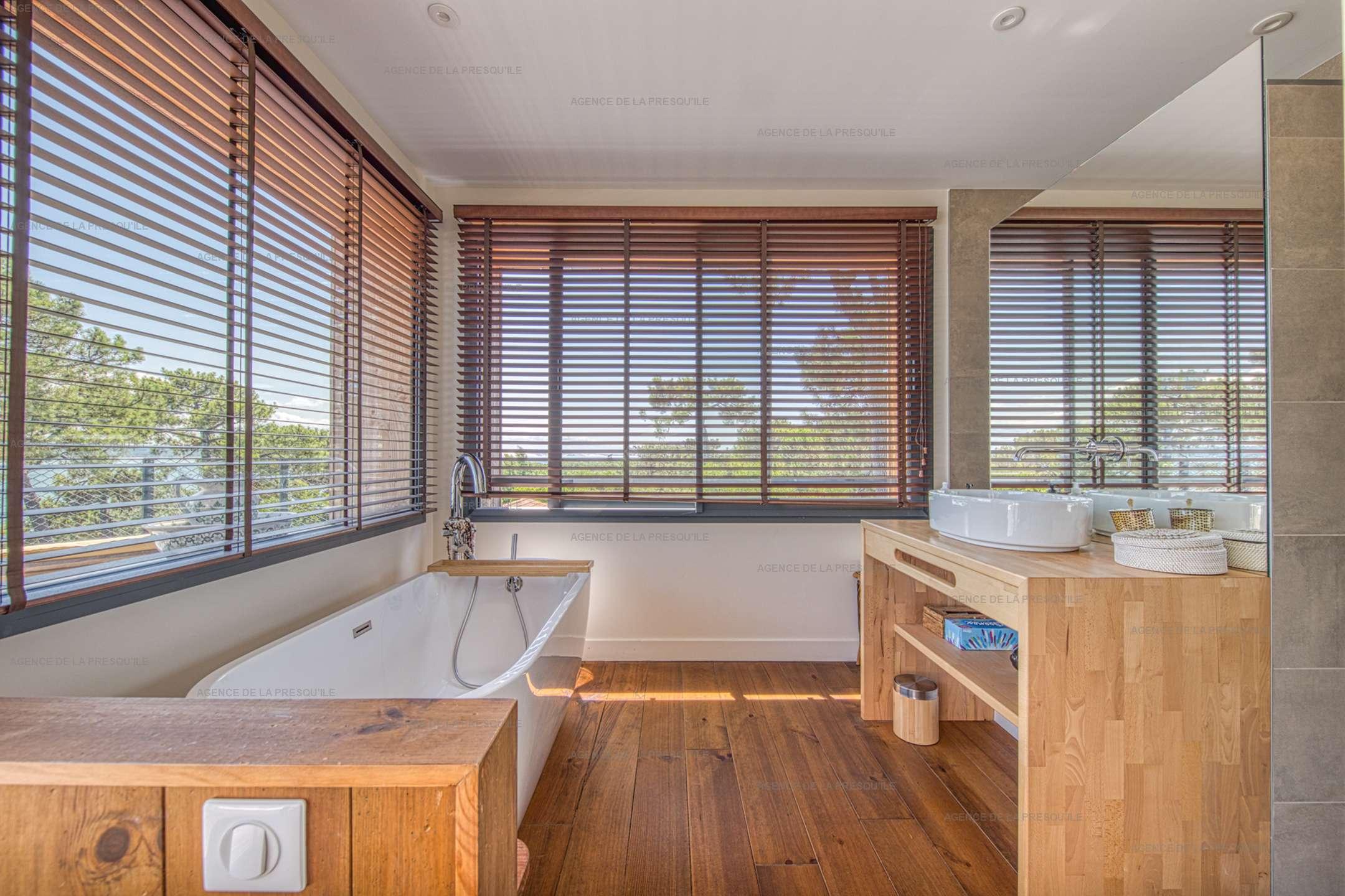Location: Belle villa  neuve avec vue bassin et acces plage 12