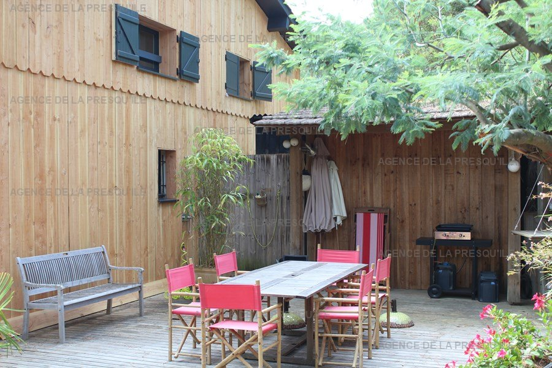 Location: Jolie villa en bois située au mimbeau 3