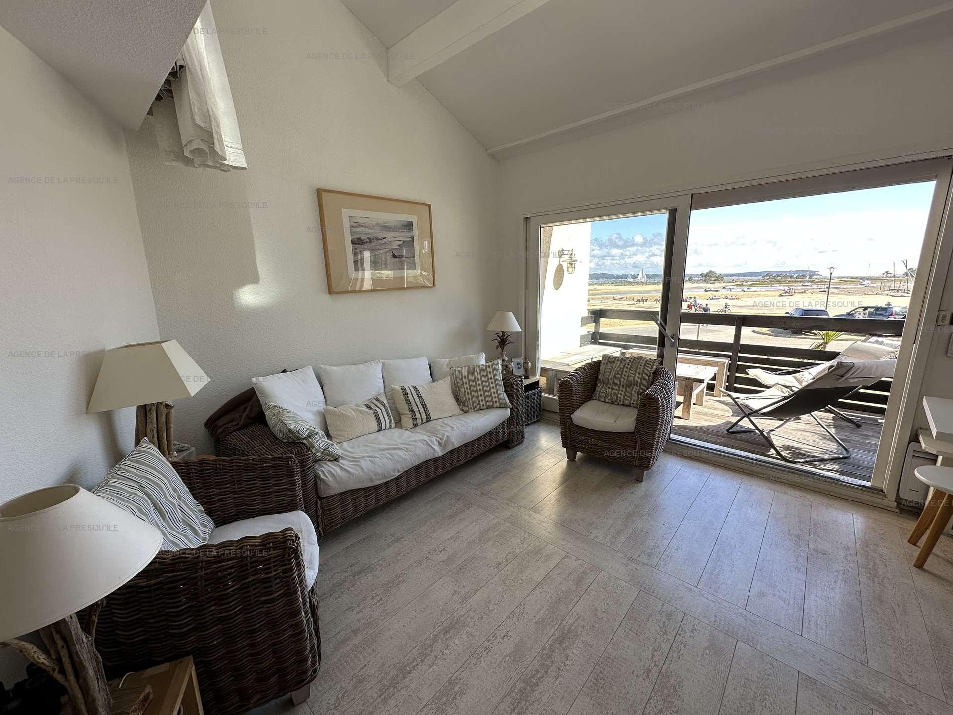 Location: Très bel appartement avec vue bassin 3