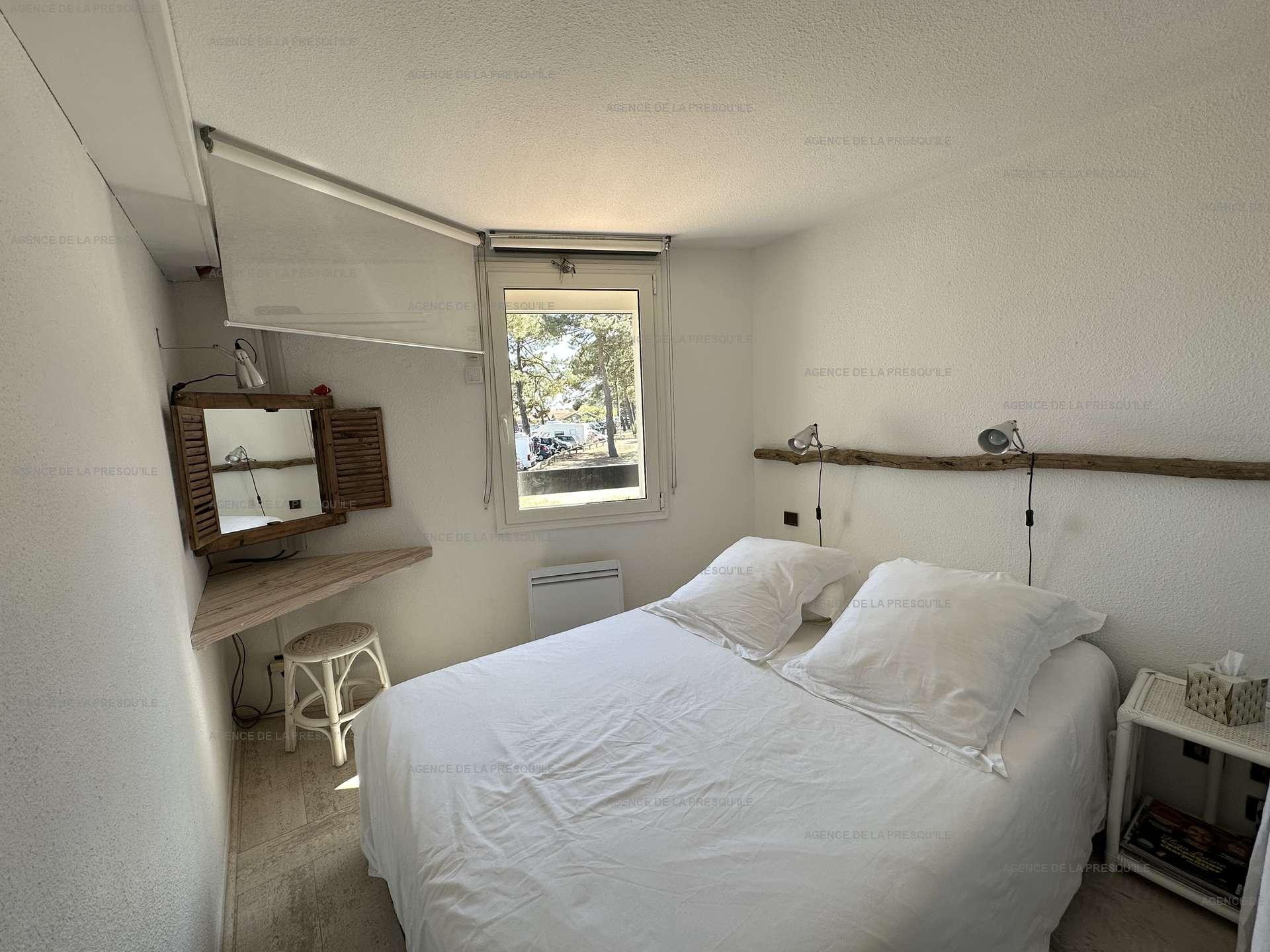Location: Très bel appartement avec vue bassin 6