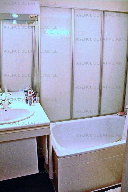 Location: Très bel appartement avec vue bassin 8
