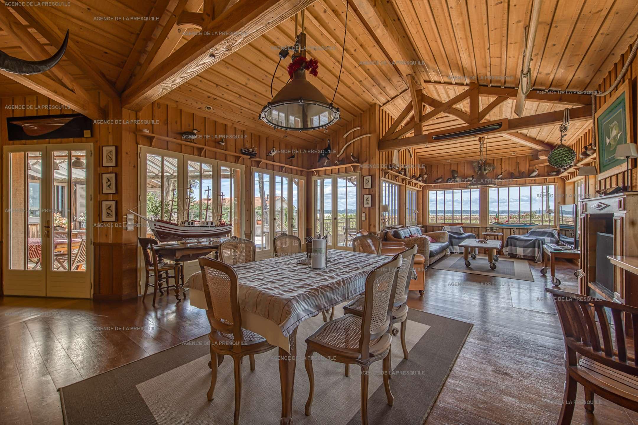 Location: Très belle villa en bois avec vue panoramique sur le bassin 3