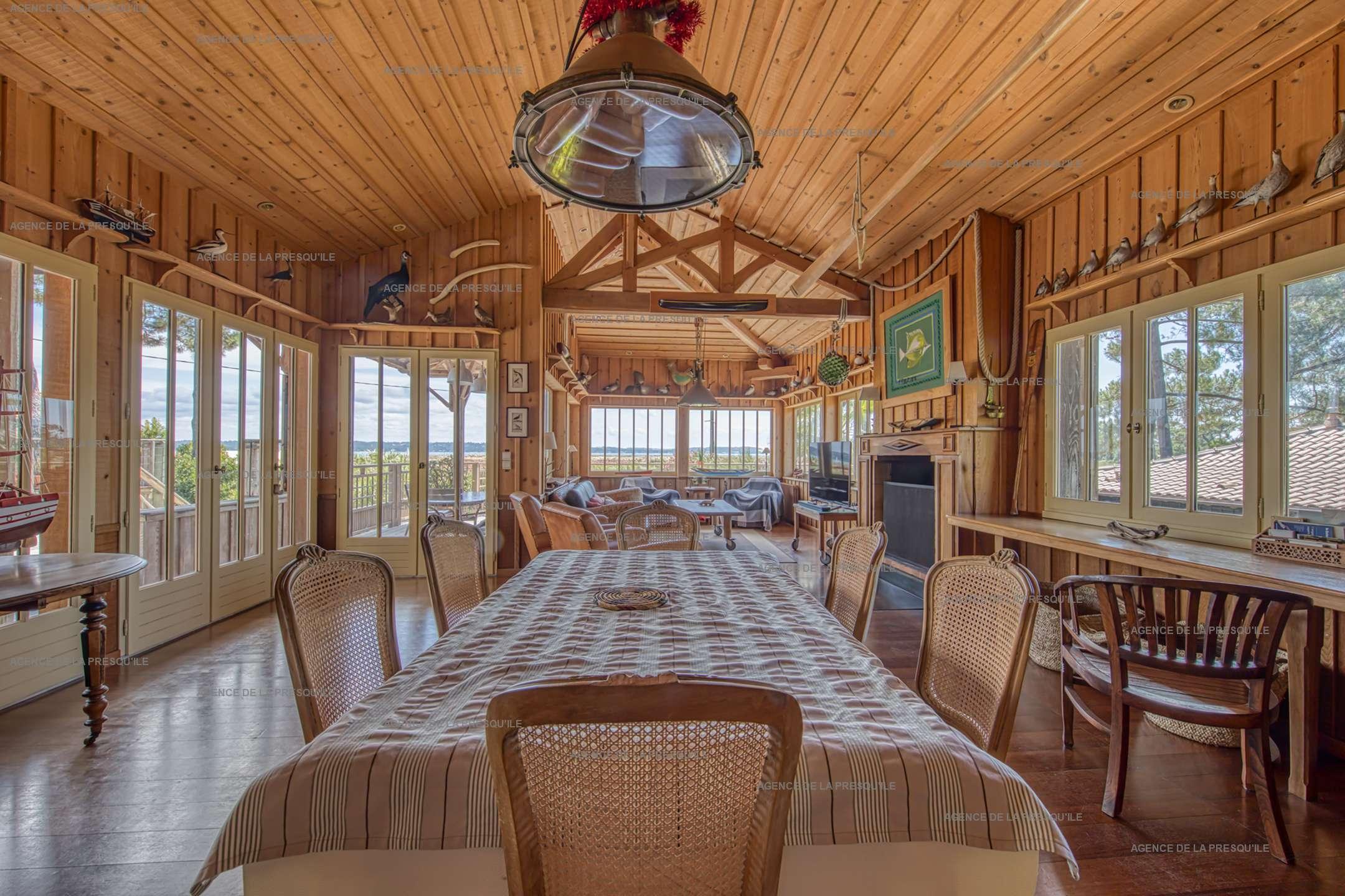 Location: Très belle villa en bois avec vue panoramique sur le bassin 7