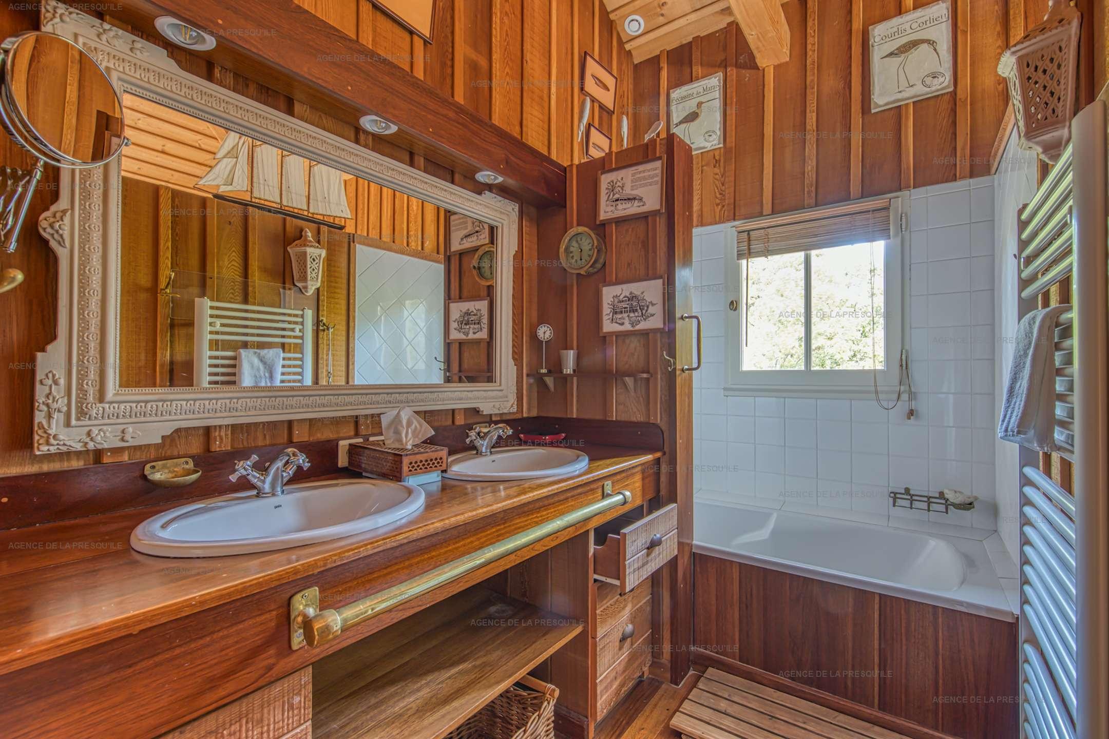 Location: Très belle villa en bois avec vue panoramique sur le bassin 9