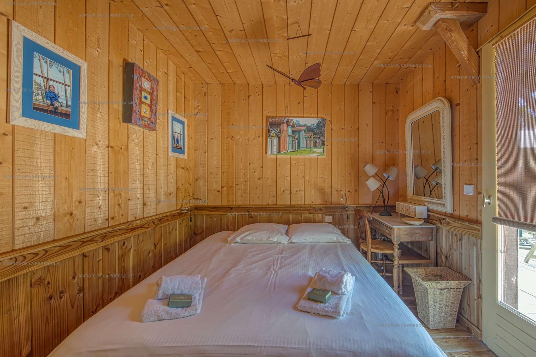 Location: Très belle villa en bois avec vue panoramique sur le bassin 12