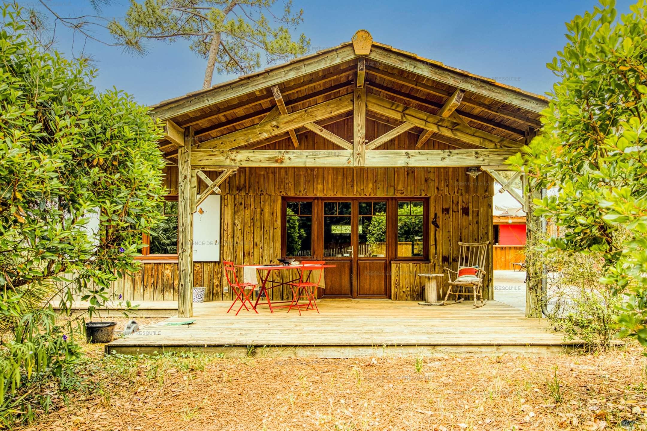 Location: Belle villa en bois au pied du phare 2