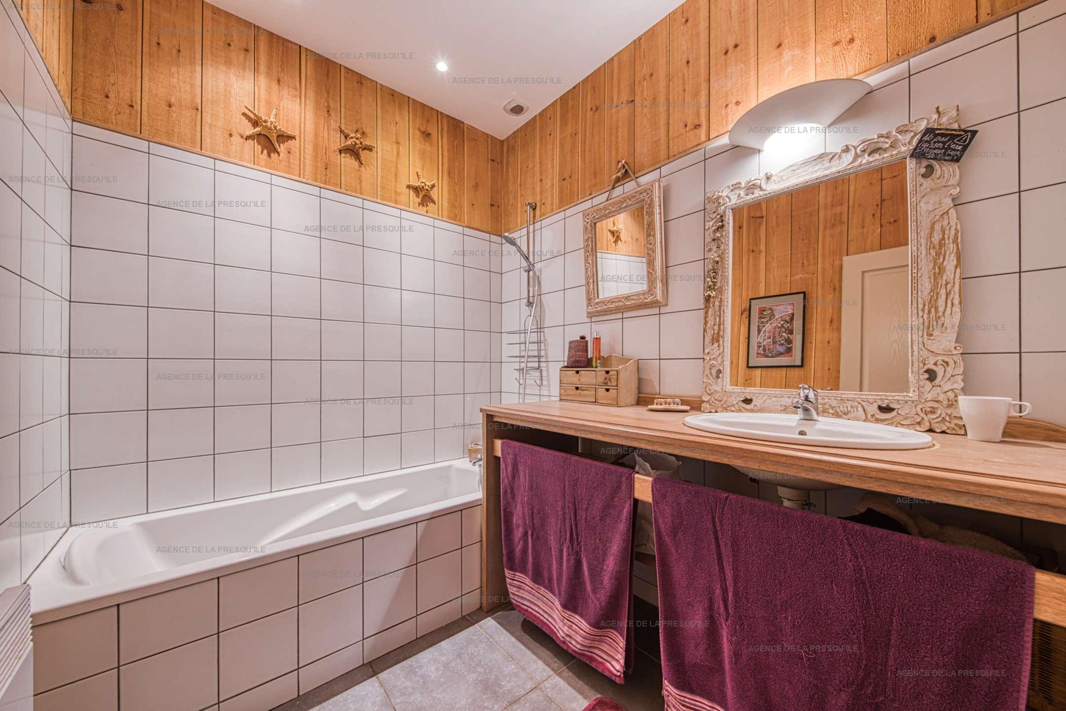 Location: Belle villa en bois au pied du phare 11