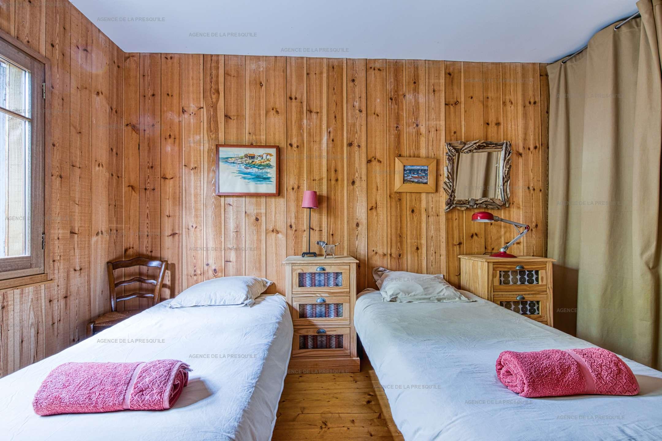 Location: Belle villa en bois au pied du phare 12